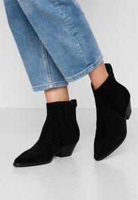 Ash - FUTURE - Cowboy/biker ankle boot - black - 0