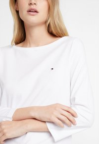 Tommy Hilfiger - NEW TILLY BOAT TEE - Long sleeved top - white - 4