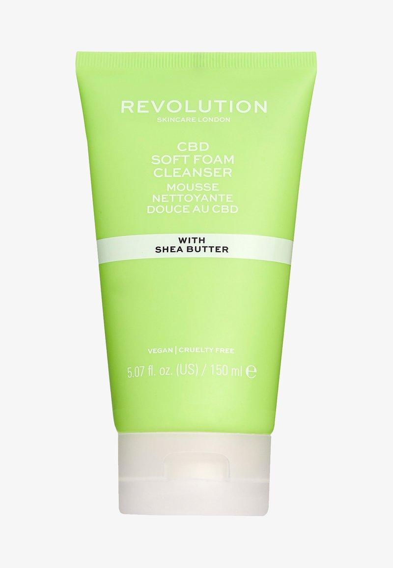 Revolution Skincare - CBD SOFT FOAM CLEANSER - Cleanser - -