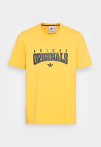 SCRIPT TEE - Print T-shirt - bold gold