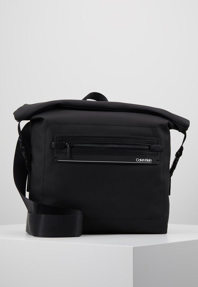MOULDED MESSENGER - Across body bag - black