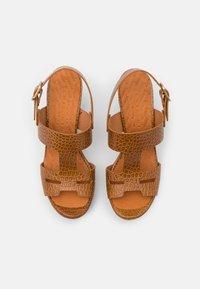 Chie Mihara - EDA - Platform sandals - nilo ocre - 4