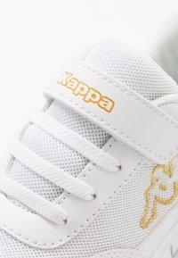 Kappa - FOLLOW UNISEX - Sports shoes - white/gold - 2