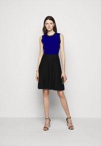 Milly - SCALLOPED COLORBLOCK - Jumper dress - black/azure - 1