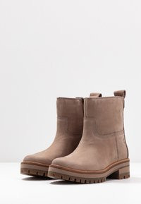 Timberland - COURMAYEUR VALLEY  - Classic ankle boots - taupe - 4