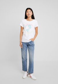 edc by Esprit - TEE - Print T-shirt - white - 1