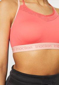 triaction by Triumph - TRIACTION BALANCE - Sujetador deportivo - pink - 4