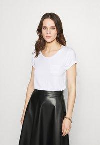 Zign - Basic T-shirt - white - 0