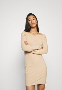 Even&Odd - BASIC - OFF-SHOULDER MINI LONG SLEEVES DRESS - Etuikjole - cuban sand - 0