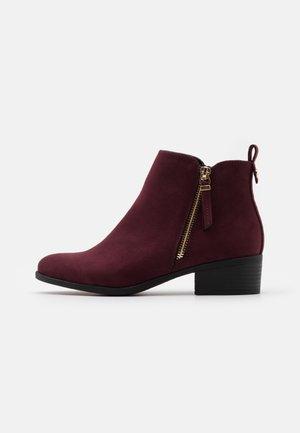 WIDE FIT MACRO SIDE ZIP  - Ankle boots - burg