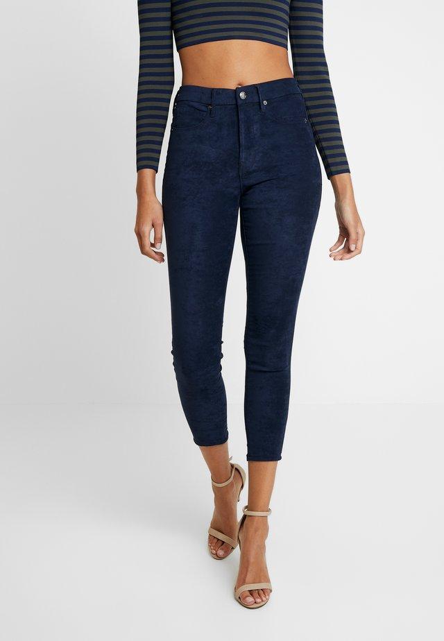 GOOD LEGS CROP - Trousers - navy