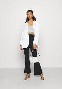 Missguided - FLARE TROUSERS 2 PACK - Kalhoty - black/ dark grey - 1