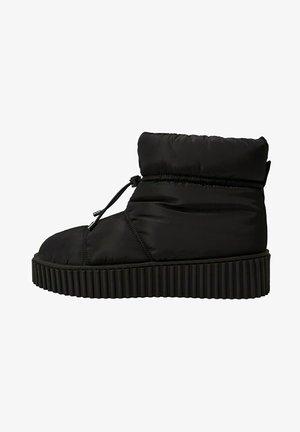 PLATEAU - Winter boots - schwarz