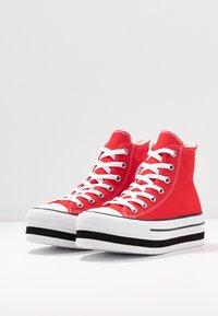 Converse - CHUCK TAYLOR ALL STAR LAYER BOTTOM - Høye joggesko - university red/white/black - 4