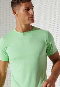 Superdry - ACTIVE - Sports shirt - neo mint - 2
