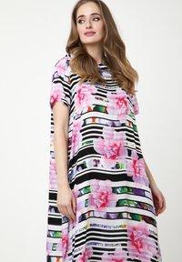 Madam-T - ADELINARA - Maxi dress - weiß rosa - 3
