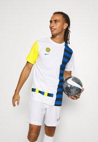 Nike Performance - INTER MAILAND TEE IGNITE SALONE - Club wear - white - 3
