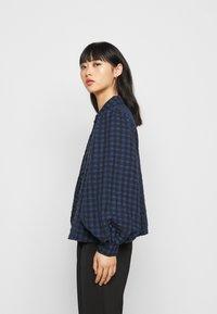 Pieces Petite - PCLUNNA SHIRT - Button-down blouse - black/navy - 3