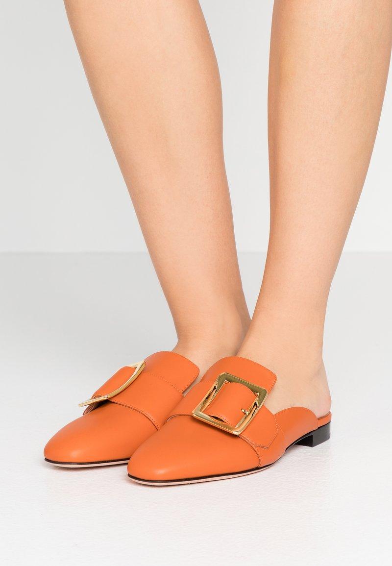 Bally - JANESSE - Mules - mandarin