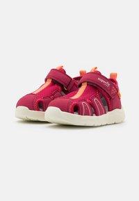 Superfit - WAVE - Sandals - rot/orange - 1