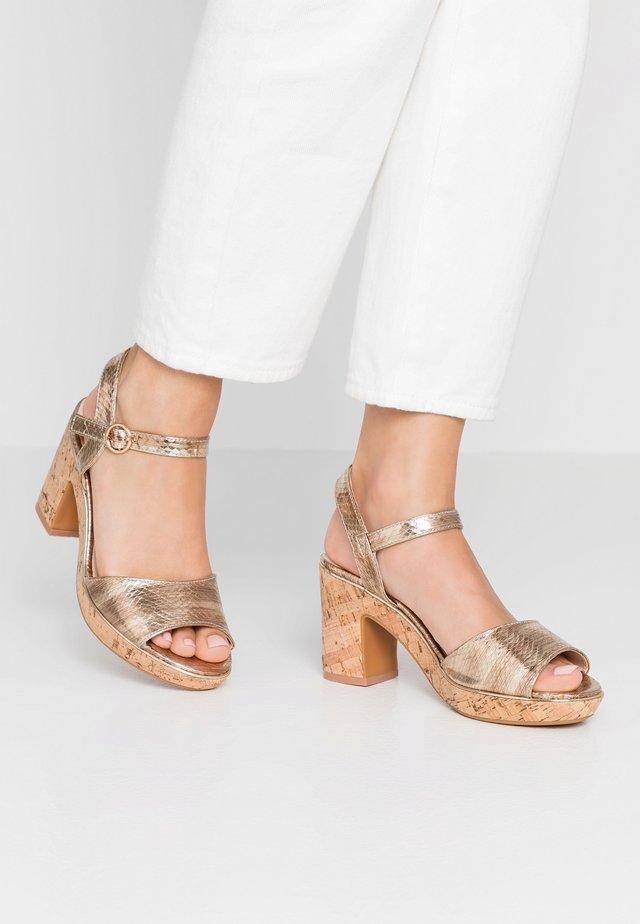 WIDE FIT RHONDA - High heeled sandals - gold