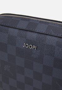 JOOP! - CORTINA PIAZZA CLOE  - Across body bag - darkblue - 4