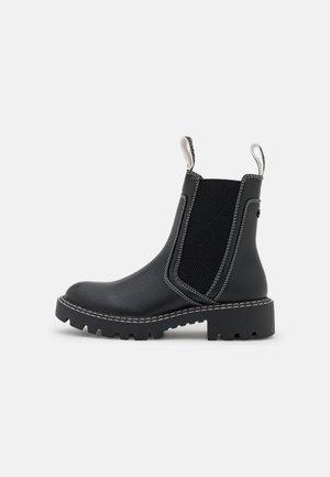 VEGAN SEVEN - Støvletter - black