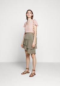 Bruuns Bazaar - LILLI ABELINE - Blouse - cream rose - 1