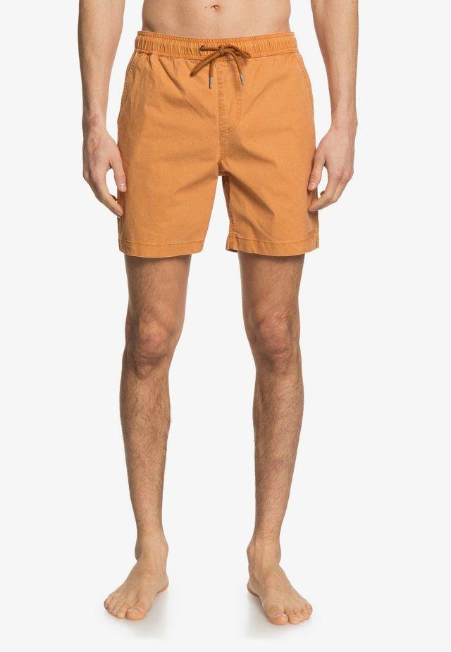 TAXER WS - Shorts - thai curry