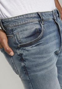 TOM TAILOR - Slim fit jeans - mid stone bright blue denim - 4