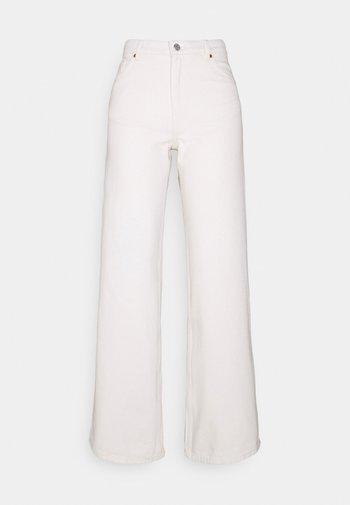 Straight leg jeans - white light