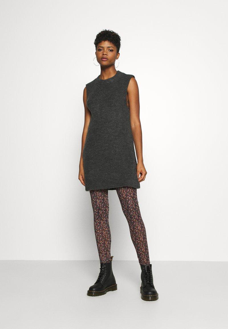 ONLY - ONLCORA - Jumper dress - gardenia