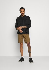 Only & Sons - ONSCAM  - Shorts - kangaroo - 1
