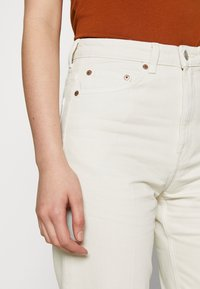 Weekday - LASH - Jeans relaxed fit - white dusty light - 3