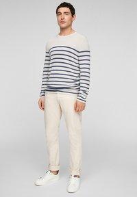 s.Oliver - TRUI - Jumper - offwhite stripes - 1