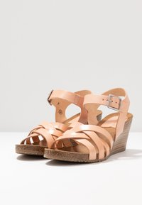 Kickers - SOLYNA - Wedge sandals - rose nude - 4