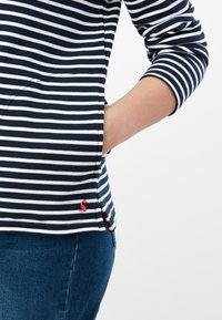 Tom Joule - PIP - Long sleeved top - cremefarben marineblau streifen - 4