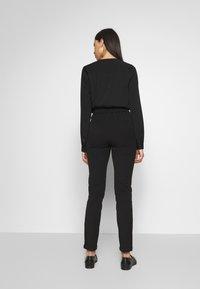 Vero Moda Tall - VMMAYA LOOSE SOLID PANT - Trousers - black - 2
