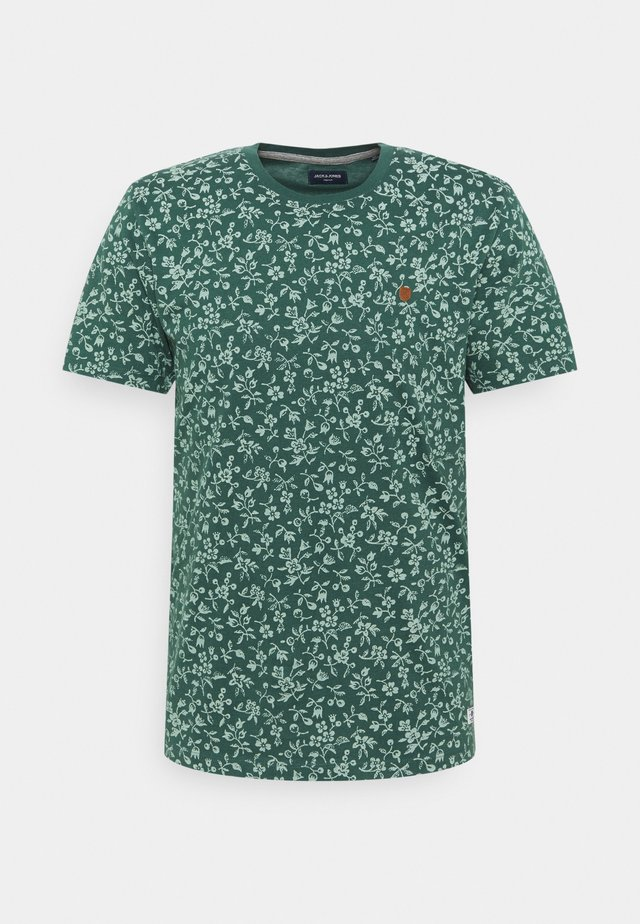 JPRBLUTOM TEE CREW NECK - T-shirt med print - bistro green