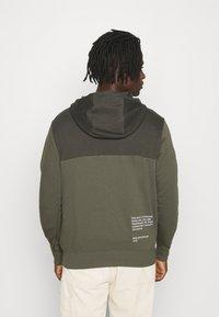 Nike Sportswear - HOODIE - Mikina na zip - twilight marsh/white - 2