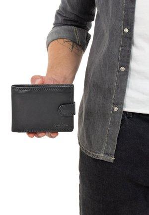 GUSTAV - Wallet - black