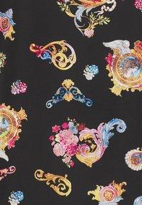 Versace Jeans Couture - PRINT CAMEO - Košile - black - 7