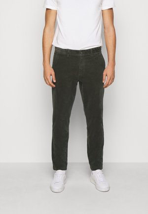 COMO PANTS - Spodnie materiałowe - deep forrest