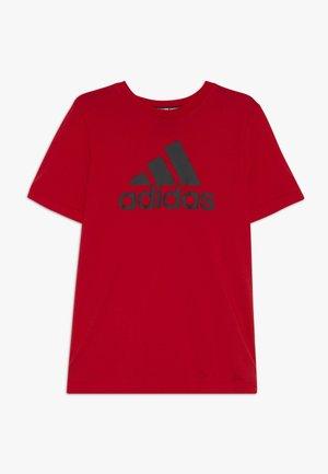 ESSENTIALS SPORTS SHORT SLEEVE TEE - T-shirt print - vivid red/black
