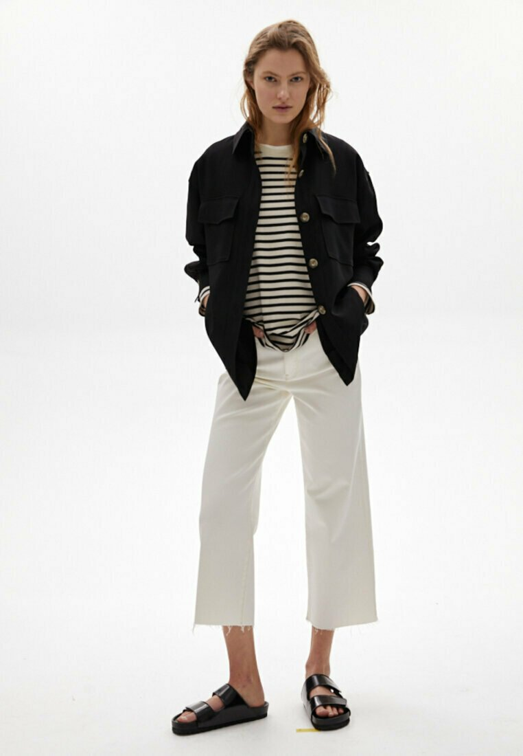 Massimo Dutti - Flared Jeans - white
