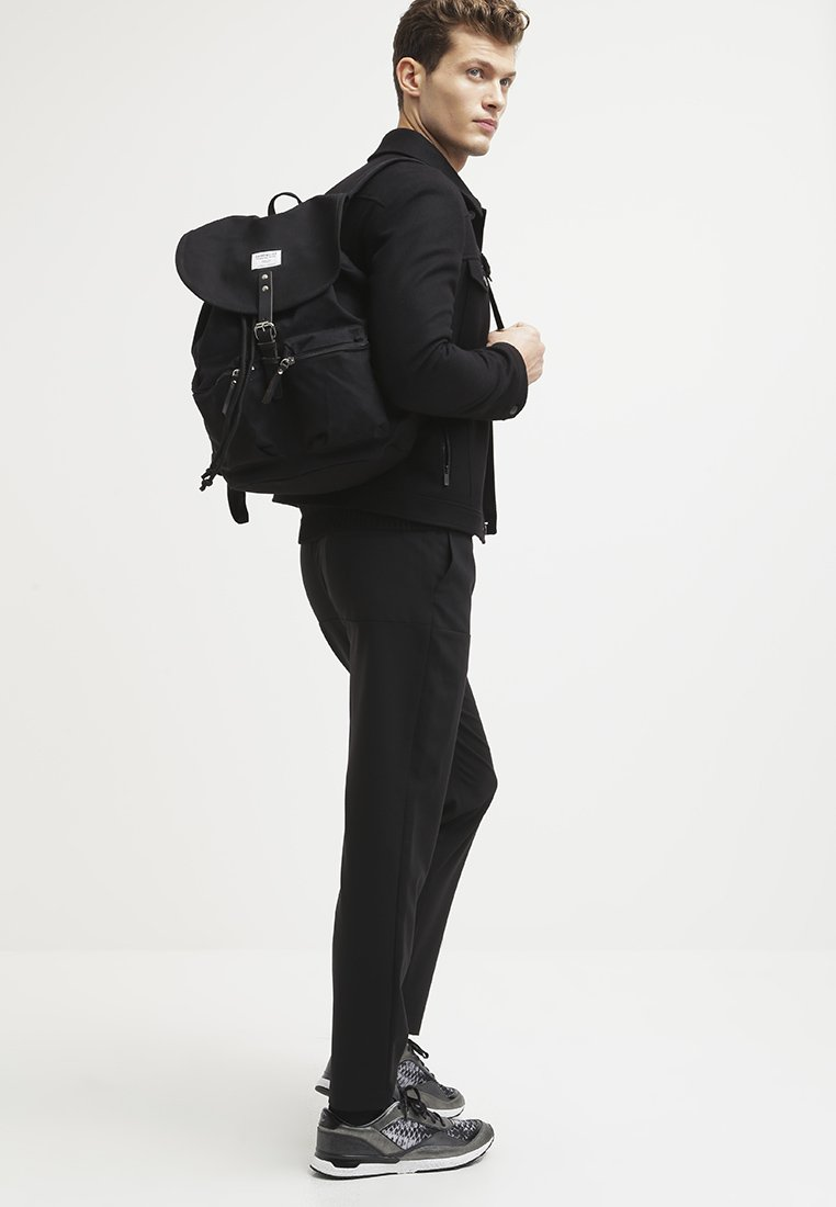 Sandqvist - ROALD GROUND - Rucksack - black
