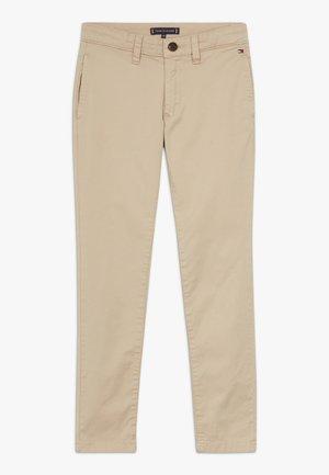 ESSENTIAL SKINNY  FLEX - Chino kalhoty - khaki