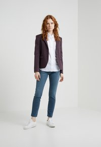 CLOSED - HAILEY - Button-down blouse - white - 1