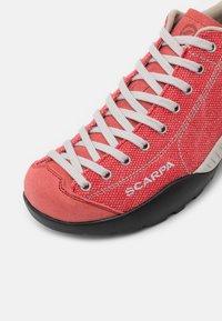 Scarpa - MOJITO  - Zapatillas de senderismo - red - 5