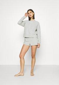 Calvin Klein Underwear - SLEEP SHORT - Pyjama bottoms - grey heather - 1